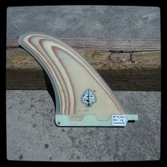 Plywood bonzer central fin quilla. Handmade by Neyrafins. www.neyracustomshop.com