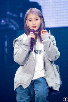 Blackpink Fashion, Korean Fashion, Kpop Girl Groups, Kpop Girls, Iu Hair, Love U Forever, Ulzzang Korean Girl, Kpop Outfits, Korean Beauty