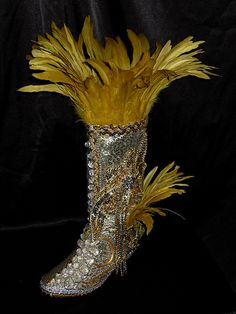 carnival boots trinidad - Google Search Carnival Dress, Carnival Outfits, Carnival Costumes, Trinidad Carnival, Caribbean Carnival, Samba Shoes, Mexican Night, Bling Shoes, Fursuit