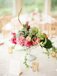 Romantic centerpieces: http://www.stylemepretty.com/little-black-book-blog/2014/12/31/elegant-wedding-at-the-garrison/ | Photography: Lindsay Madden - http://lindsaymaddenphotography.com/