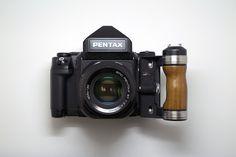 Pentax 67 AKA The Norse Thunderclap by. Photography Gear, Photography Equipment, Digital Photography, Dslr Camera Reviews, Pentax Camera, Nikon D3300, Classic Camera, Cmos Sensor