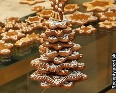 Chce to troška práce ale vysledok je super Gingerbread Cookies, Ale, Desserts, Food, Basket, Gingerbread Cupcakes, Tailgate Desserts, Deserts, Ale Beer