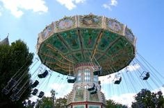 List of #carousels of #Paris for kids and grown-ups alike! Please repin! Thanks // Où faire des tours de manège à Paris ? (article in French)
