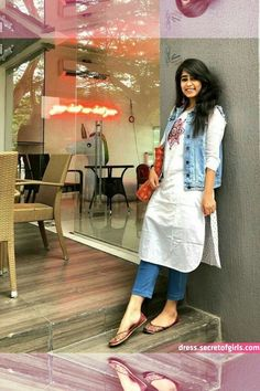 51 Stylish Office Jeans Ideas To Try Right Now is part of Kurti with jeans - Clothes are readily available to all that will downplay what we don't like, but, what's more, enhance that which we […] Casual Indian Fashion, Indian Fashion Dresses, Indian Designer Outfits, Indian Outfits, Western Outfits, Ethnic Outfits, Western Dresses, Dress Fashion, Korean Fashion