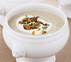 Die süsse der Marroni kommt in Suppen besonders gut zum tragen. Gemeinsam mit der Kartoffel entsteht so ein sämiges, nahrhaftes Gericht.