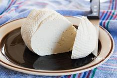 Queso fresco casero sin cuajo – Queso quark casero Mexican Food Recipes, Dessert Recipes, Desserts, Cooking Time, Cooking Recipes, Cheese Maker, Easy Homemade Recipes, Cheese Recipes, Summer Recipes