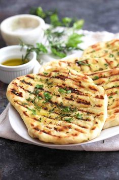 Easy Grilled Flatbread (The Baker Chick) Grilled Flatbread, Grilled Bread, Fun Baking Recipes, Cooking Recipes, Easy Flatbread Recipes, Greek Olives, Those Recipe, Food 52, Grilling Recipes