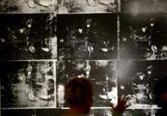 14-Nov-2013 3:41 - RECORDBEDRAG VOOR WARHOLSCHILDERIJ. Op een veiling in New York is 105 miljoen dollar neergeteld voor een schilderij van Andy Warhol. Het is het hoogste veilingbedrag dat er ooit voor een kunstwerk van Warhol is betaald. Op het schilderij 'Silver Car Crash' zijn de gevolgen van een auto-ongeluk te zien: een hoop verwrongen staal met daarin een lichaam. Wie het werk heeft gekocht is nog niet bekend. Een dag eerder ging in New York een ander schilderij voor de hoogste...