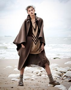 Zoe, Huxford, James, Perry, So, It, Goes, Magazine, fashion, editorial, minimale, animal, white, cliffs, beach,
