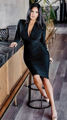 Sexy Outfits, Chic Outfits, Sexy Dresses, Fashion Outfits, Classy Women, Sexy Women, Belle Silhouette, Mannequins, Gorgeous Women
