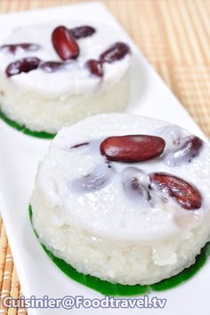 Traditional Thai Desserts - Khao Niew Tud (steamed rice with coconut milk)