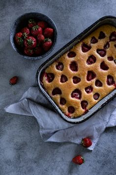 Jahodová bublanina s jogurtem | Ricotta, Waffles, Pie, Fruit Cakes, Tarts, Breakfast, Recipes, Food, Torte