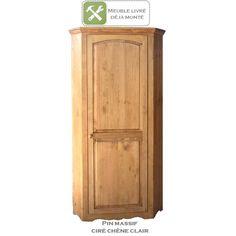 Bonnetière d'angle en pin massif au style authentique et indémodable. 3 étagères pour un rangement pratique. Pour cuisine, salon, séjour, chambre