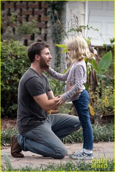 Why You Need to See Chris Evans' New Movie: Gifted plus Cast Interviews - Movies & Shows Chris Evans Gifted, Chris Evans Funny, Capitan America Chris Evans, Chris Evans Captain America, Steve Rogers, Emily Rogers, New Movies, Good Movies, Series Movies