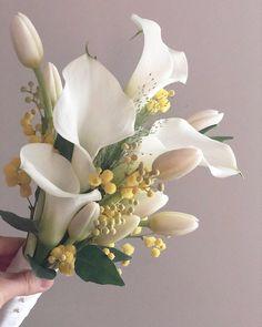 이미지: 꽃, 식물, 자연 Beautiful Rose Flowers, Beautiful Flower Arrangements, Floral Arrangements, Wedding Bouquets, Wedding Flowers, Bunch Of Flowers, Artificial Flowers, Garland, Floral Wreath
