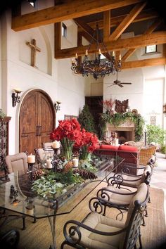 Tuscan design – Mediterranean Home Decor Spanish Style Homes, Spanish House, Spanish Colonial, Spanish Revival, Spanish Style Kitchens, Style At Home, Outdoor Rooms, Outdoor Living, Outdoor Seating