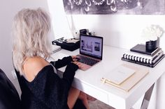 Blondie in the City   Rose Gold MacBook