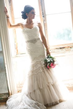 Jim Hjelm wedding dress /Lace/Vintage/Ivory