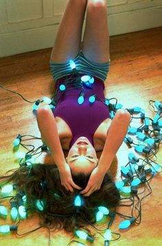 How to Decorate a Girl's Room With Christmas Lighting