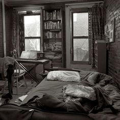"""""""Only strangers sleep in my bed. My favorite words are good-bye."""" - Tom Waits"""