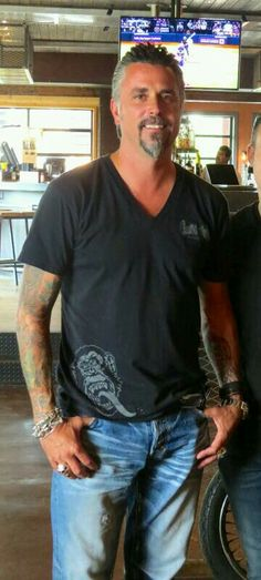 Richard Rawlings- Gas Monkey Garage~Fast n Loud Love this guy! Richard Rawlings- Gas Monkey Garage~Fast n Loud Love this guy!