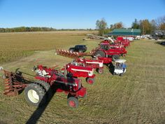 Posted Image Case Ih Tractors, Farmall Tractors, Old Tractors, International Tractors, International Harvester, Garden Tractor Attachments, Biggest Truck, Farming Life, Classic Tractor