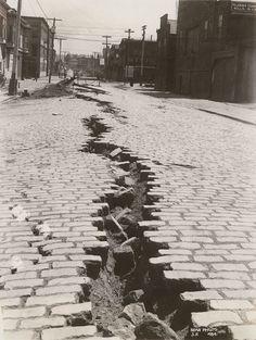 Folsom Street, San Francisco after the 1906 earthquake.