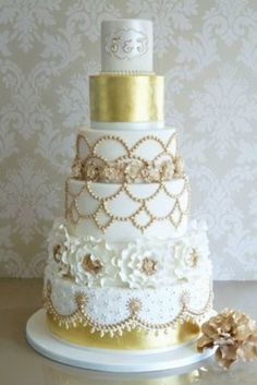 The combination of white and gold is very gorgeous!  It is elegant gold that is not so glaring, but it is very gorgeous.