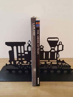 Train Bookends. Train Engine Bookends. Metal Train Engine. Black Metal Bookends. Vintage Bookends. Rustic Decor. Rustic Bookends. Home Decor by GrandpaRmetalDecor on Etsy https://www.etsy.com/listing/506073386/train-bookends-train-engine-bookends
