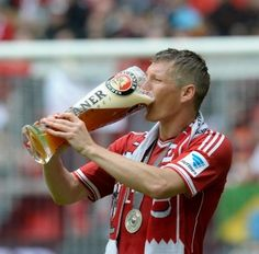 Schweinsteiger:  and his beer