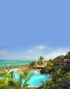 Diani, Kenya#Diani Beach est la station balnéaire de la côte méridionale. Elle est située à 37 km au sud de Mombasa. Diani Beach est aussi la destination favorite des tours opérateurs : ne comptez pas vous y retrouver seul ! La plage est très jolie et bordée agréablement par des hôtels. Le récif n'est qu'à 500 mètres : ambiance masques et tubas.#http://urlz.fr/3hp5#kenyahotelsltd.com