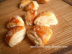 .. z lásky k vareniu ...: Slané smotanové trojuholníky so slaninkou Home Baking, Food And Drink, Cooking Recipes, Menu, Bread, Party, Change, Hampers, New Years Eve