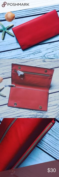 """ESTEE LAUDER • RED Faux Leather Clutch/Wallet BRAND NEW & AUTHENTIC LIMITED EDITION  ESTEE LAUDER RED Faux Leather Clutch Wallet Posh NEW Outside pattern: smooth leather Inside pattern/lining: red lining w 2 zippered compartments measures 9"""" x 4.5"""" new/without tags Estee Lauder Bags Clutches & Wristlets"""