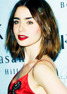 Lily Jane Collins ♥                                                                                                                                                                                 More