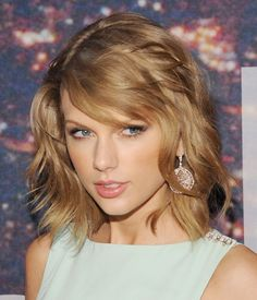 Hot Female Celebrities from movie television music modeling and sport HQ photos gifs and videos fan site and forum with celebrity news and lots Taylor Swift Hot, Taylor Swift Style, Live Taylor, Hottest Female Celebrities, Celebs, Ethel Kennedy, Taylor Swift Pictures, Her Hair, Makeup Looks
