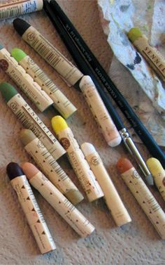 Beginner's guide to oil pastels.  This is a great site!