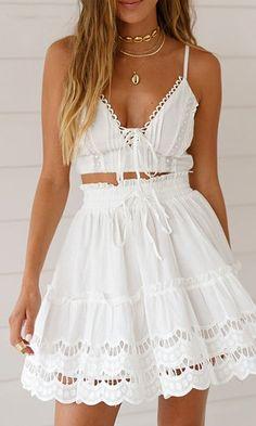 Affogatoo Casual a-line ruffle white skirt women Embroidery cotton high waist mini skirts 2019 Loose beach summer skirt female Summer Skirts, Mini Skirts, Summer Dresses, White Lace, White Dress, White Cotton, Bohemian Skirt, Look Boho, Teen Fashion
