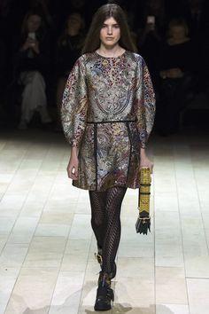 Burberry / Fall 2016 / Look 22 of 56 /  Ready-to-Wear Fashion Show -  Model : Skylar Tartz