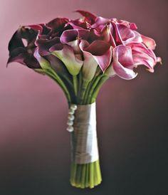 Noiva - O buquê da noiva em variados tipos de flores e românticas combinações