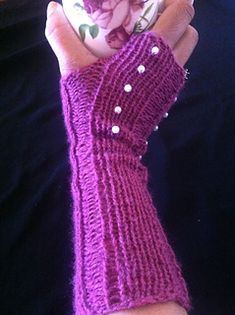 Ravelry: Quick-Knit Ribbed Fingerless Gloves pattern by Charlene Gray