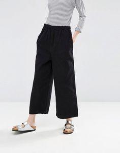 Immagine 4 di ASOS - Pantaloni con fondo ampio senza chiusura in velluto a coste…