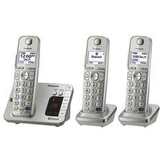 Téléphone sans fil DECT 6.0 à trois combinés avec Bluetooth de Panasonic (KXTGE263S)                         - Web seulement