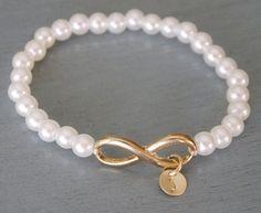 Grandma Bracelet, Mothers Love Bracelet, Infinity Charm Bracelet, New Grandma Gift, Personalized Grandma Jewelry, White Pearl Bracelet