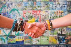 Par Camille Loty Malebranche La fraternité commence par la reconnaissance d'un partage interpersonnel axiologiquement assumé en pensée et action selon les mêmes principes de perception de la nature humaine et de son fatum ultime. C'est l'accord selon...