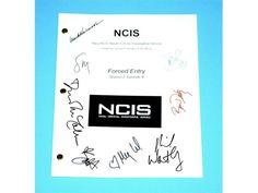 "NCIS ""Forced Entry"" Episode TV Script Autographed Mark Harmonn, Sasha Alexander, Michael Weatherly, Pauley Perrette, Sean Murray, Megan Ward"