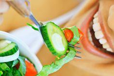 Lebensfreude steigern hat viel mit Essgewohnheiten zu tun. Hier wirksame Methoden, dein Essverhalten zu verändern und deiner Idealfigur näher zu kommen.