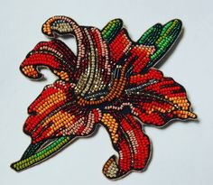 No photo description available. Tambour Embroidery, Bead Embroidery Jewelry, Hand Embroidery, Embroidery Designs, Seed Bead Jewelry, Beaded Jewelry, French Beaded Flowers, Beaded Brooch, Beading Projects