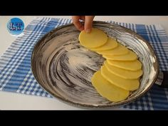 1 πατάτα και δείπνο είναι έτοιμα σε 10 λεπτά! - YouTube Quick Meals, No Cook Meals, Potato Pancakes, Sliced Potatoes, Le Diner, Baked Eggs, Fish And Chips, Breakfast Recipes, Chicken Recipes