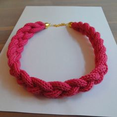 Knit I-cord bracelet, cool idea. Spool Knitting, Hand Knitting, Crochet Bracelet, Crochet Earrings, Loom Yarn, Yarn Bracelets, Knitted Necklace, Paper Weaving, I Cord