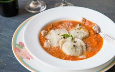 Here's a healthy version of Ravioli, Whole Wheat Spinach Ricotta Ravioli in Creamy Tomato Basil Sauce for you to indulge in.